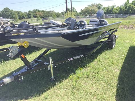 Jon Boats For Sale Knoxville Tn by Alumacraft New And Used Boats For Sale In Tennessee
