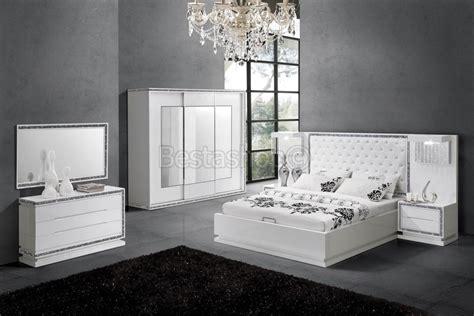 chambre a coucher blanc chambre à coucher complète design blanc laqué strasse starline