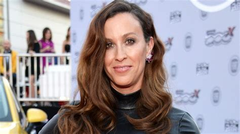 Alanis Morissette Opens Up About Having 'a Bunch of ...