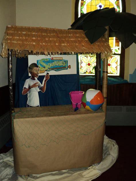 Tabletop Tiki Hut by Tiki Hut For Island Theme Using A Gardening Table