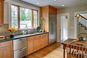 25 TRADITIONAL KITCHEN DESIGNS FOR A ROYAL LOOK