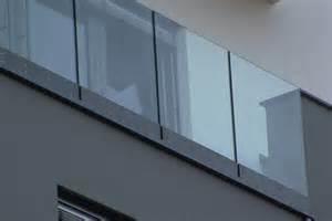 balkon bodenbelag gã nstig easybalkon geniale innovation für den flachdachbereich easybalkon