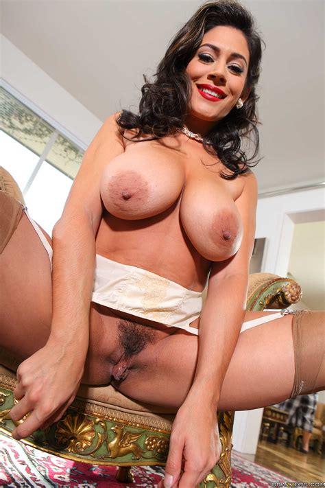 Chubby Housewife Needs A Good Fuck Photos Raylene Ramon