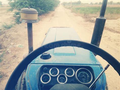 el sonnenschirm ständer traktor fotografering f 246 r bildbyr 229 er bild av rostigt