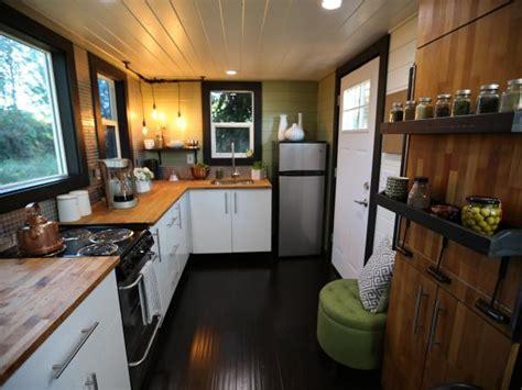ways   luxuriously   tiny home hgtvs