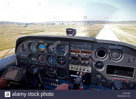 pista  atterraggio vista dalla cabina  pilotaggio