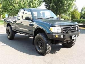 1998 Toyota Tacoma Sr5 V6    4x4    5  Lifted