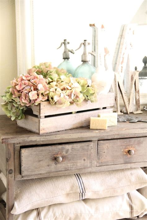 Chic Decor - in the countryside vintage home