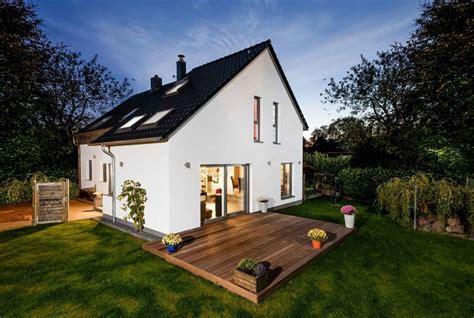 Mehr Raum Und Lebensqualitaet Durch Hausanbau by Anbau Aus Holz Mehr Raum F 252 R Eine Bessere Lebensqualit 228 T