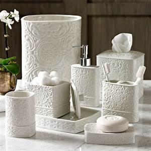Decoration salle de bain accessoire for Salle de bain design avec golf décoration et accessoires