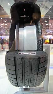 Changer De Taille De Pneu : changer des pneus soi mme peut on changer soi mme ses pneumatiques ~ Gottalentnigeria.com Avis de Voitures