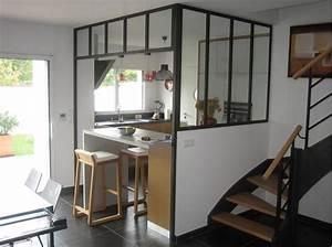 cuisine contemporaine ouverte par la structure vitree With petite cuisine équipée avec salle a manger contemporaine