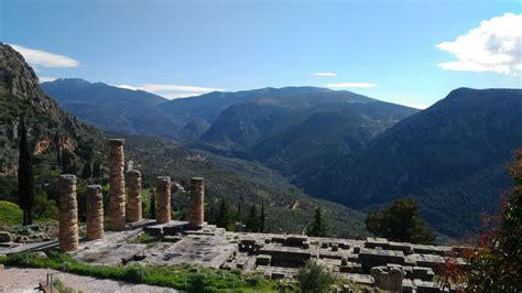 Delfi e l'arte divinatoria della Pizia | Tour Grecia Classica