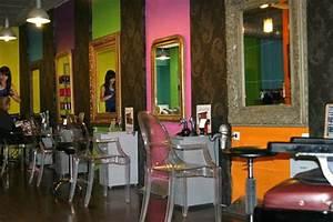 Mobilier Salon De Coiffure : coiffeur visagiste bagnols sur c ze chez num ro 17 un salon de coiffure bagnols sur c ze ~ Teatrodelosmanantiales.com Idées de Décoration