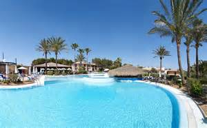 whirlpool im wohnzimmer blau colonia sant jordi resort spa mallorca hotelbewertungen expedia de