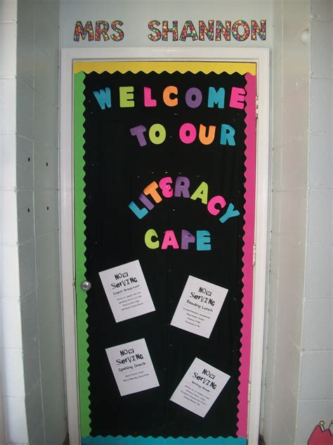 classroom door decoration i run read teach