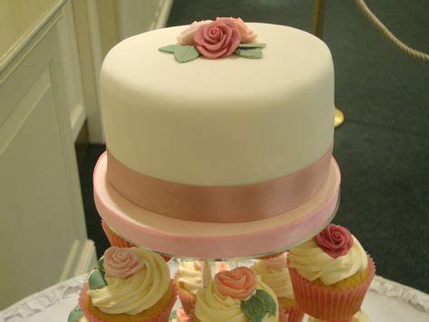 wedding cupcakes   tier top cake cakespastries
