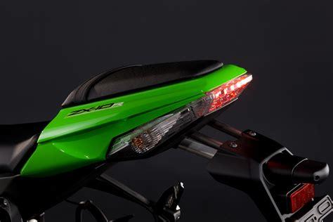 Kawasaki Zx10r Specs by 2011 Kawasaki Zx 10r Details Spec Visordown