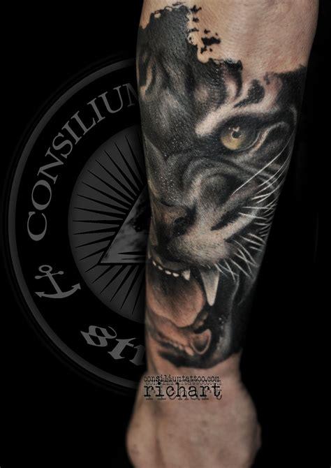 los mejore diseños de tatuajes en el antebrazo más de 100