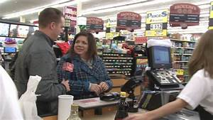 FEEL GOOD FRIDAY: We go to a grocery store with a surprise ...