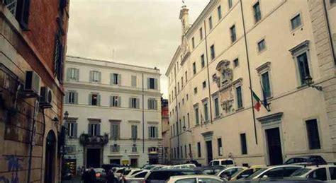 roma banco dei pegni unicredit addio monte di piet 224 vendute agli austriaci
