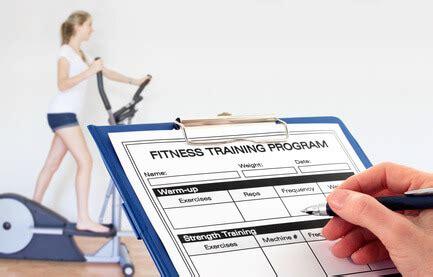 abnehmen im fitnessstudio trainingsplan zum muskelaufbau und abnehmen im