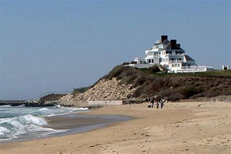 Taylor Swift Buys  Million Rhode Island Mansion … In Cash