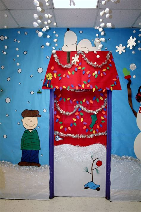 fouke kindergarten charlie brown classroom door school doors pinterest christmas classroom