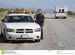 Cb Auto : police officer using cb radio stock image image 32031519 ~ Gottalentnigeria.com Avis de Voitures