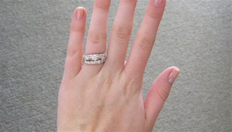 wear  wedding  engagement rings weddingelation