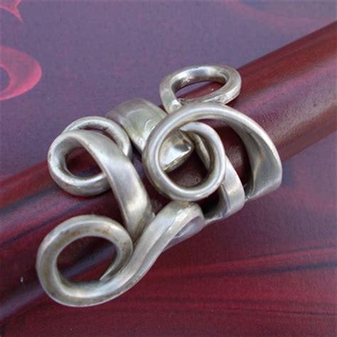 ring aus silberlöffel soulous marion heine besteckschmuck leder accessoires f 252 r den finger ringe