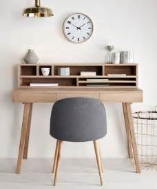 der kleine schreibtisch lis hübsch interior ist skandinavisches design pur denn der - Schreibtisch Skandinavisches Design