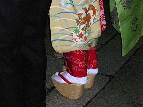 geisha shoes photo