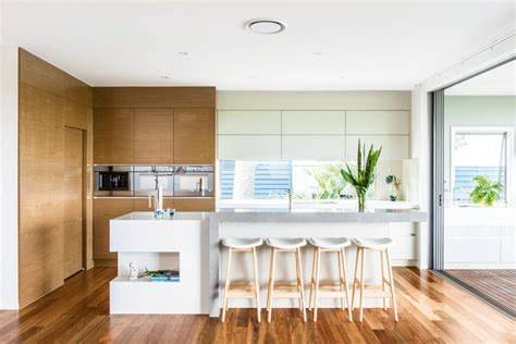 Clean And Kitchen Designs by Bright And Light Clean Kitchen Design Completehome