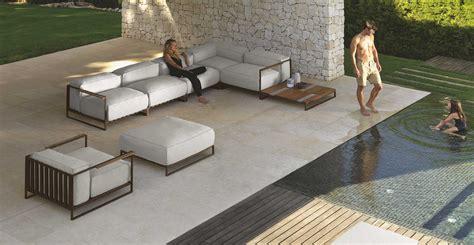 santafe garden lounge idd