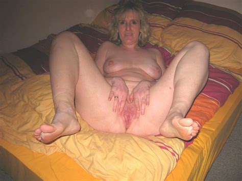 matufeet2a in gallery another mix of mature feet and wet sloppy pussy 4 picture 4 uploaded