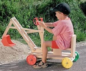 Spielen Im Garten Mit Holzpferd Bagger Oder Einem Tollen