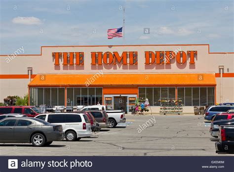 Home Depot Stock Cabinets: Hardware Store And Home Depot Stock Photos & Hardware