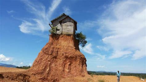 rumah unik  banjarbaru  disebut rumah jomblo