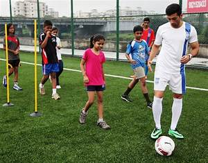 Rohit-Mirza-teaching-the-Kids-some-football-tricks-at ...