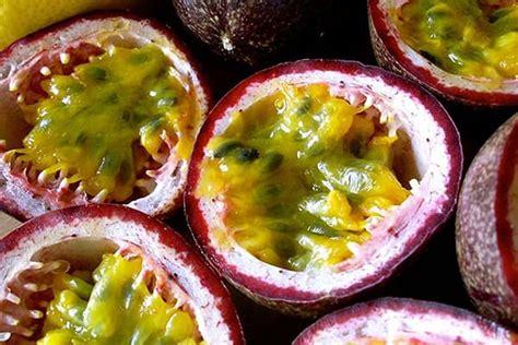 Pasifloru augļi: derīgās īpašības un kontrindikācijas, vitamīni un minerāli sastāvā, kaloriju saturs