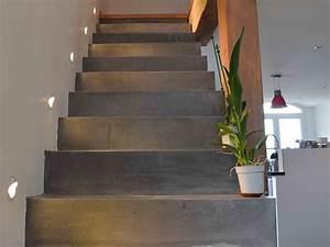 application du beton cire sur un escalier betoncire beton With peindre des escalier en bois 6 recouvrir un escalier en carrelage