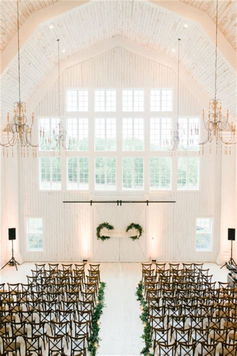 north texas wedding   white sparrow barn  grit