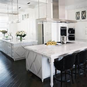 Best Color Granite for White Kitchen Cabinets