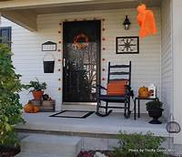 interesting front patio decor ideas Turn Fall Decorating Ideas Into Halloween Decor on Your ...