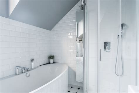 Bathroom Tiles White by Do It Yourself How To Keep Tile Grout White Australian