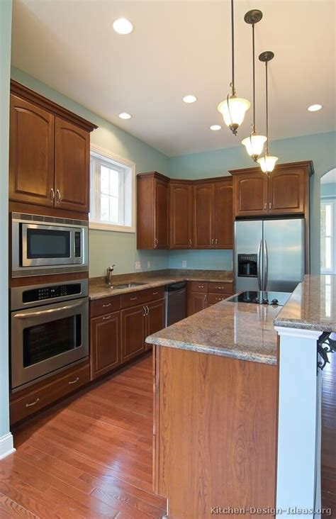 Kitchen Paint Colors With Medium Cherry Cabinets by Pictures Of Kitchens Traditional Medium Wood Kitchens