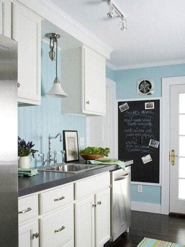 light blue kitchen walls 10 ways to use blue paint colors blue color of the year 6966