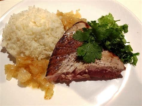 cuisiner thon steak de thon poêlé la tendresse en cuisine