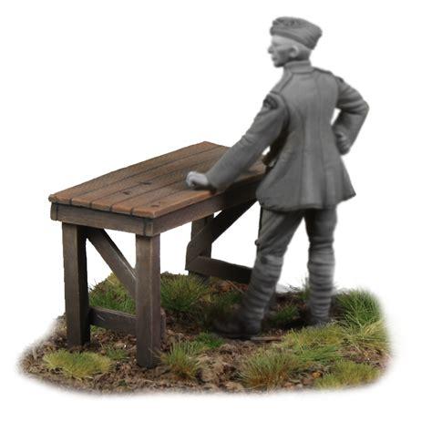 werkbank mit schraubstock kellerkind miniaturen werkbank mit schraubstock
